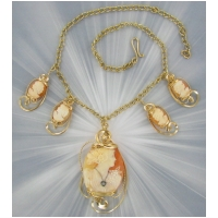 DESIGNER SHELL CAMEO NECKLACE